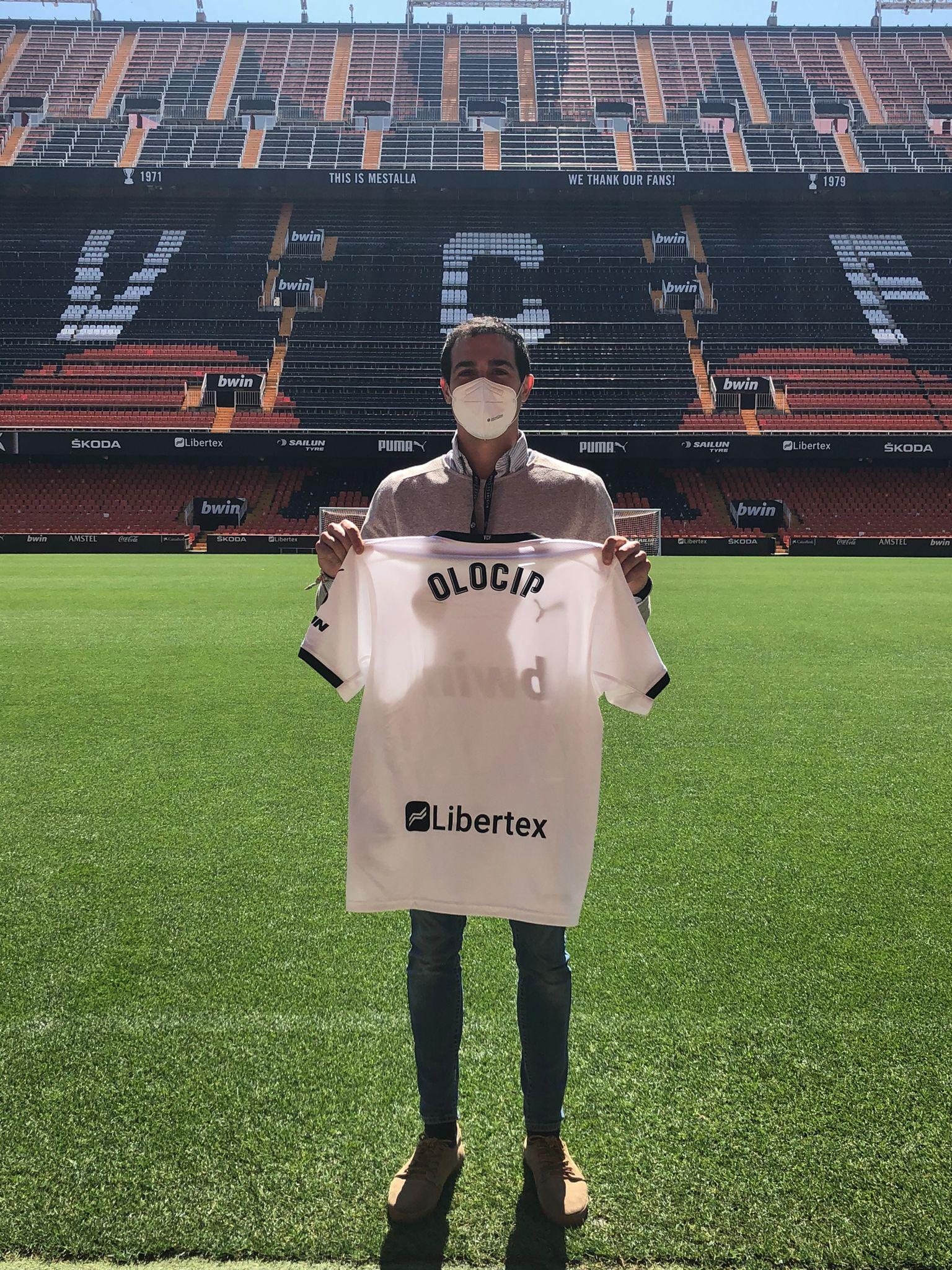 Edu Valdés, GBD Manager en Olocip, durante el Pitch en Mestalla